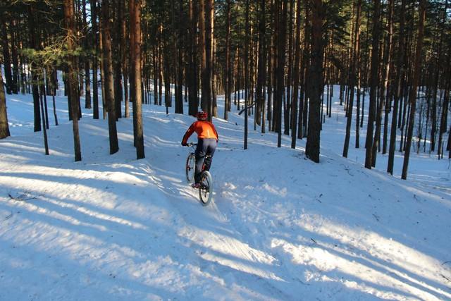 Прекрасная солнечная погода стояла на 3 этапе зимней велогонки в Дюнах