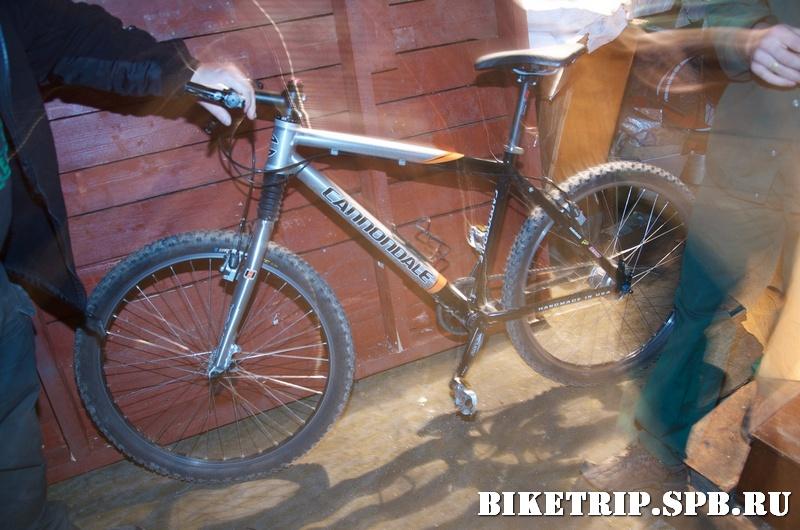 Велосипед Cannondale с планетарной втулкой в веломастерской..