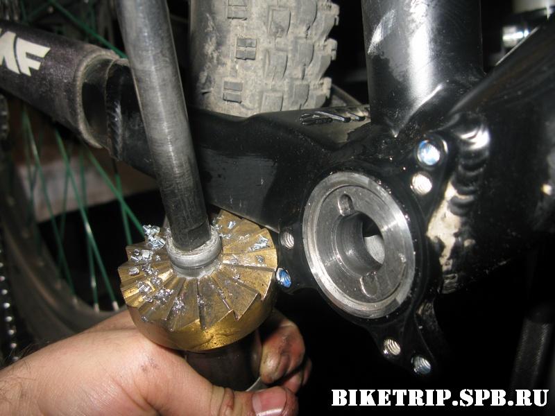 Торцевание кареточного узла велосипедной рамы