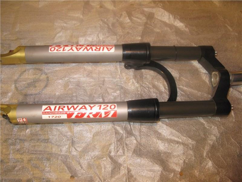 Вес вилки FRM Airway 120 1650 гр.