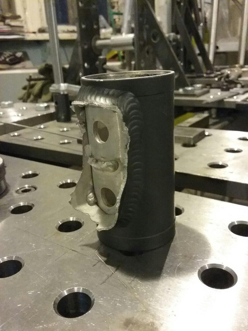 оторванный рулевой стакан